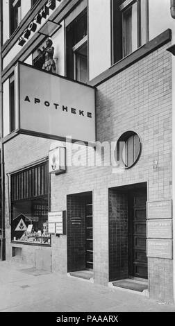[Bildindex  der Kunst und Architektur] 176 Mohrenapotheke Fm1164878 - Stock Photo