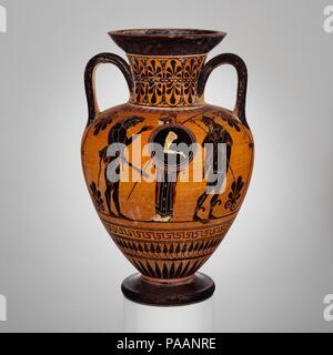 Terracotta neck-amphora (jar). Culture: Greek, Attic. Dimensions: H. 40.49 cm.. Date: ca. 520 B.C..  Obverse, Herakles, Athena, and Hermes.  Reverse, frontal chariot and archer. Museum: Metropolitan Museum of Art, New York, USA. - Stock Photo