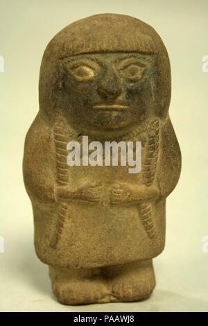 Standing Ceramic Figure. Culture: Moche. Dimensions: H x W: 6 x 3 1/4in. (15.2 x 8.3cm). Date: 3rd-5th century. Museum: Metropolitan Museum of Art, New York, USA. - Stock Photo