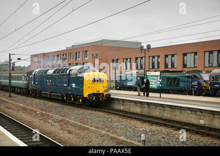 English Electric Deltic Class 55 diesel locomotive 55009 / D9009 'Alycidon' at York station with a northbound railtour. - Stock Photo
