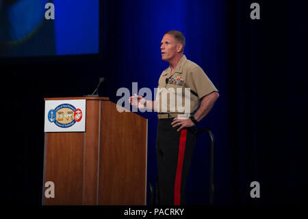 WASHINGTON (Jul. 21, 2017) Lt. Gen. Robert Walsh, Commanding General, Marine Corps Combat Development Command, gives a keynote address during the Naval Future Force Science and Technology (S&T) EXPO at the Walter E. Washington Convention Center. The EXPO is the Office of Naval Research's (ONR) premier biennial event that provides attendees access to senior naval leadership and technical experts to discuss the status of key programs and new research opportunities. - Stock Photo