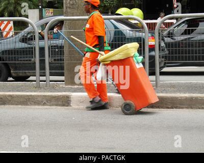 Street sweeper, Paulista Avenue, São Paulo, Brazil - Stock Photo