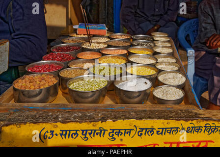 Food market in India selling dried pulses and lentils - Stock Photo