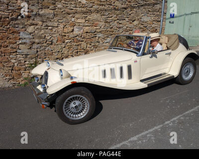 A wonderful two seater sports car, the 2.8 Ltr Panther Kallista seen here climbing the small hills around the beautiful area of Languedoc - Stock Photo