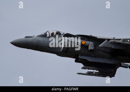 Spanish Navy McDonnell Douglas AV-8B Harrier II Matador jump jet fighter plane displaying at the Farnborough International Airshow, FIA 2018. V/STOL. Armada Española VA-2 Matador II - Stock Photo