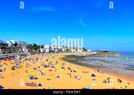 People on the beach in Broadstairs, Kent as the hot weather continues across the UK, July, 2018 - Stock Photo