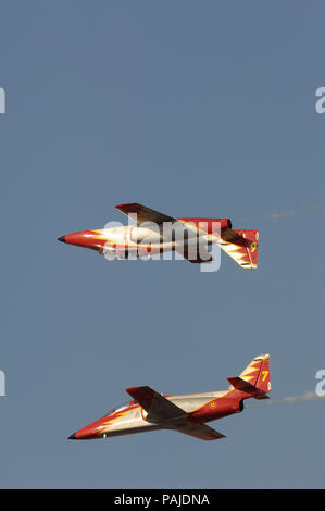 CASA C-101EB Aviojets of Spain - Air Force Patrulla Acrobatica Aguila flying in formation at Dubai AirShow 2007 - Stock Photo