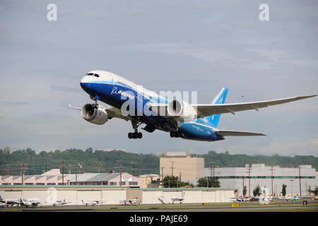 the first Boeing 787-8 Dreamliner prototype taking-off - Stock Photo