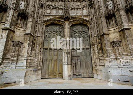 Doorway of St Peter's Cathedral (La Cathédrale Saint-Pierre), Beauvais, France - Stock Photo