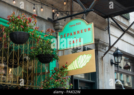 The Depanneur Cafe on rue Saint-Paul Ouest in Montreal Old Town - Stock Photo