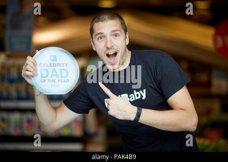 Mark Hoyle AKA Lad Baby pips HRH Prince William to the post as he wins Clas Olson celebrity dad of the year 2018 - Stock Photo