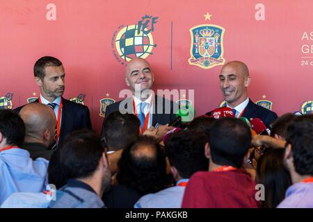 Madrid, Spain, 24 July 2018. Luis Rubiales (R), President of Royal Spanish Soccer Federation (RFEF); FIFA's counterpart, Gianni Infantino (C), and UEFA's head, Aleksander Ceferin (L), pose for photographers at Soccer City, ahead of the beginning of the RFEF's Assembly meeting, in Madrid, Spain, 24 July 2018. EFE/Rodrigo Jimenez Credit: EFE News Agency/Alamy Live News - Stock Photo