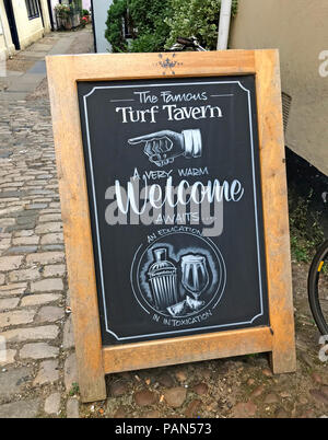 Welcome to the Turf Tavern, Oxford, Oxfordshire, South East England, Uk - Stock Photo