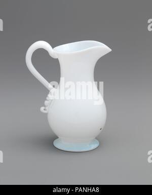 Cream pitcher. Culture: American. Dimensions: 4 7/8 × 4 × 2 7/8 in. (12.4 × 10.2 × 7.3 cm). Date: 1830-50. Museum: Metropolitan Museum of Art, New York, USA. - Stock Photo