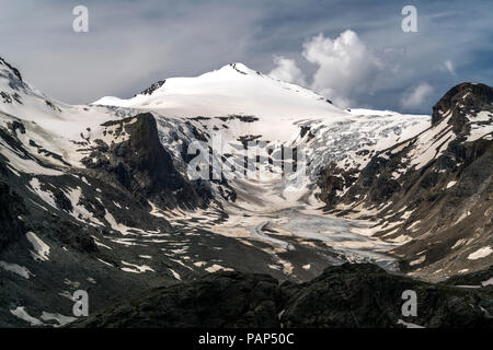 Austria, Carinthia, High Tauern National Park, Pasterze glacier and Johannisberg peak - Stock Photo