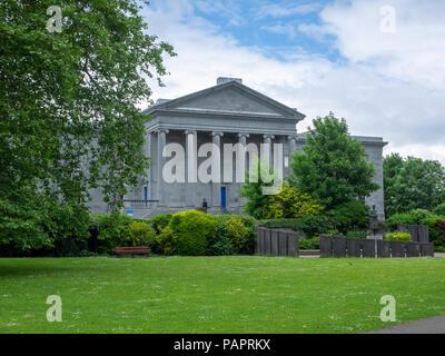 Ennis Courthouse, Ennis, County Clare, Republic of Ireland - Stock Photo