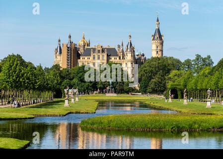 Castle Park, Castle, Schwerin, Mecklenburg-Western Pomerania, Germany - Stock Photo