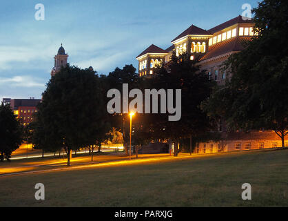 Syracuse, New York, USA. July 23, 2018. View of Smith and Lyman Halls at nighttime on the Syracuse University campus - Stock Photo