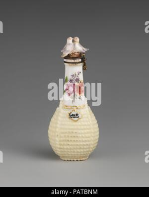Flagon. Culture: British, Chelsea. Dimensions: Height: 3 1/2 in. (8.9 cm). Factory: Chelsea Porcelain Manufactory (British, 1745-1784, Red Anchor Period, ca. 1753-58). Date: ca. 1755. Museum: Metropolitan Museum of Art, New York, USA. - Stock Photo