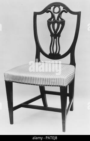 Side Chair. Culture: American. Dimensions: 34 x 20 x 19 in. (86.4 x 50.8 x 48.3 cm). Date: 1785-95. Museum: Metropolitan Museum of Art, New York, USA. - Stock Photo