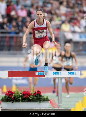 Nuremberg, Deutschland. 22nd July, 2018. Antje MOELDNER-SCHMIDT (MoÌldner-Schmidt) (2nd place/LC Cottbus), action, moat, final 3000m obstacle course women on 22.07.2018. German Athletics Championships 2018, from 20.07. - 22.07.2018 in Nuernberg/Germany. | Usage worldwide Credit: dpa/Alamy Live News - Stock Photo