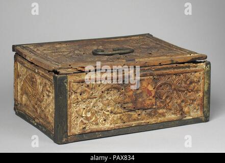 Coffret. Culture: German (?). Dimensions: Overall: 7 x 9 3/8 x 11 in. (17.8 x 23.8 x 27.9 cm). Date: late 14th-early 15th century. Museum: Metropolitan Museum of Art, New York, USA. - Stock Photo