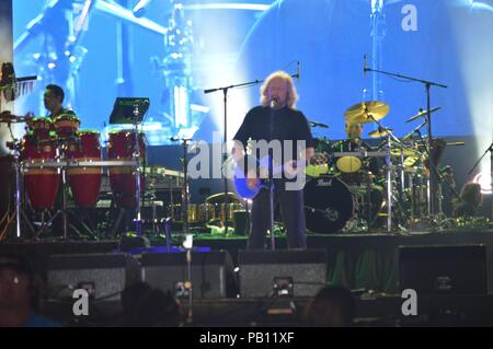 MIAMI BEACH, FL - MARCH 26: Barry Gibb  during the Miami Beach 100 Concert on March 26, 2015 in Miami Beach, Florida.   People:  Barry Gibb - Stock Photo