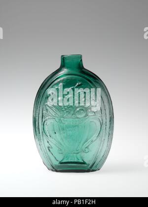 Figured flask. Culture: American. Dimensions: H. 5 1/2 in. (14 cm). Manufacturer: Probably Coventry Glass Works (1813-1850) or; Keene Glass Works (1815-41). Date: 1824-40. Museum: Metropolitan Museum of Art, New York, USA. - Stock Photo