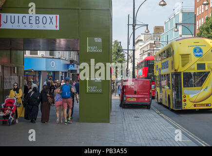 Oxford Street, London, UK. 26 July, 2018. A quiet Oxford Street as people avoid intense heat in the west end as temperatures rise to 33 degrees with a thunderstorm threat later today. Credit: Malcolm Park/Alamy Live News. - Stock Photo