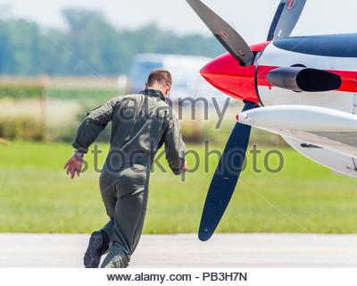 Krila oluje aerobatic group from Croatia almost scrambling towards aircraft - Stock Photo