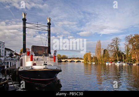 Paddle steamer on the River Thames at Henley - Stock Photo