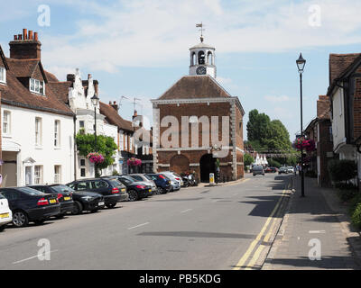 View of the High Street in Old Amersham Town in Buckinghamshire. - Stock Photo