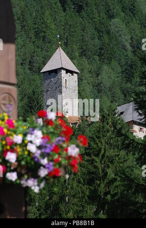 Neuhaus Castle in South Tyrol near Sand in Taufers, Italy. - Stock Photo