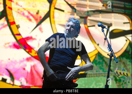 Berlin, Deutschland. 01st June, 2018. 93/'Roger WATERS', concert in the Mercedes-Benz Arena, Berlin, 01.06.2018,   usage worldwide Credit: dpa/Alamy Live News - Stock Photo