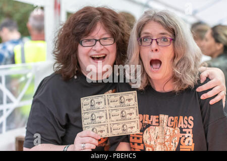 Bournemouth, UK. 27th July 2018. People enjoy the live bluegrass and country music, beer and food on offer at the Beer and Bluegrass Festival in Bournemouth. Credit: Thomas Faull/Alamy Live News - Stock Photo