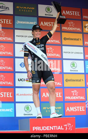 London, UK.  28 July 2018. Kirsten Wild of Team Wiggle High5 celebrates winning the Prudential RideLondon Classique riding 12 laps round a 5.4km circuit in central London.  Ranked as one of the top women's UCI WorldTour events, prize money for the race is the highest ever for a women's one day race and features 9 of the top 10 teams from the Women's World Tour. (Editorial use only)  Credit: Stephen Chung / Alamy Live News - Stock Photo
