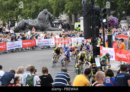 London, UK. 28th July, 2018. Prudential RideLondon Classique at the Mall on 28 July 2018, London, UK Credit: Picture Capital/Alamy Live News - Stock Photo