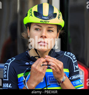 London, UK, 28 July 2018. Prudential RideLondon Classique. Ingrid Drexel (Team Tibco SVB, MEX) prepares ahead of the RideLondon Classique - a 65km race around a 5.4km circuit finishing on The Mall. The race was won by Kirsten Wild (Wiggle-High5, NED). - Stock Photo