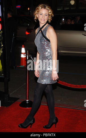 Elizabeth Banks arriving at the Smokin' Aces at the Chinese Theatre In Los Angeles. January 18, 2007.  smile full length silver metal dressBanksElizabeth043 Red Carpet Event, Vertical, USA, Film Industry, Celebrities,  Photography, Bestof, Arts Culture and Entertainment, Topix Celebrities fashion /  Vertical, Best of, Event in Hollywood Life - California,  Red Carpet and backstage, USA, Film Industry, Celebrities,  movie celebrities, TV celebrities, Music celebrities, Photography, Bestof, Arts Culture and Entertainment,  Topix, vertical, one person,, from the year , 2007, inquiry tsuni@Gamma-U - Stock Photo
