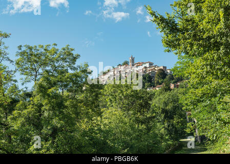 Sacro Monte di Varese, picturesque medieval village in north Italy, located at the end of a Sacred way of 14 chapels. World Heritage Site - Unesco - Stock Photo