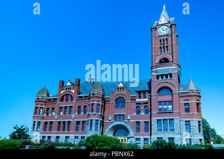Jefferson County Courthouse 5. Built in red brick Romanesque Revival style in 1892 by Architect W. A. Ritchie. Port Townsend, Washington, USA - Stock Photo