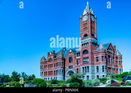 Jefferson County Courthouse 1. Built in red brick Romanesque Revival style in 1892 by Architect W. A. Ritchie. Port Townsend, Washington, USA - Stock Photo