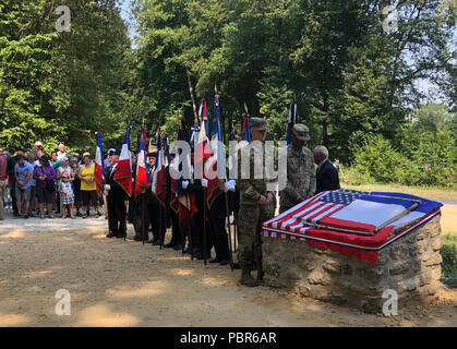 New York National Guard Soldiers of the 42nd Infantry Division participate at the dedication for a plaque to General Douglas McArthur, the creator of the 42nd Division, and a division chief of staff, brigade commander and division commander  at Landres et Saint Georges, France on July 25, 2018. Twenty-five members of the New York Army National Guard's 42nd Infantry Division, which is headquartered in Troy, headed to France July 23-29to take part in a week of World War I commemorative activities. (U.S. Army National Guard photo by Capt. Jean Marie Kratzer) - Stock Photo