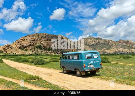 UAZ four wheel drive on the way to the Khugnu Khan mountain range, Khögnö Khan Uul national park, Bulgan province, Mongolia - Stock Photo