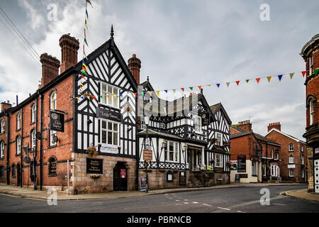 The Lion & Swan Hotel, half timbered tudor pub in Congleton, Cheshire, UK taken on 3 September 2014 - Stock Photo