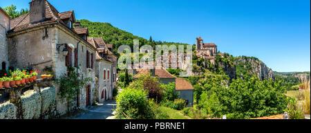 Saint-Cirq-Lapopie on  Santiago de Compostela pilgrimage road, labelled as a Les Plus Beaux Villages de France or The Most Beautiful Villages of Franc - Stock Photo