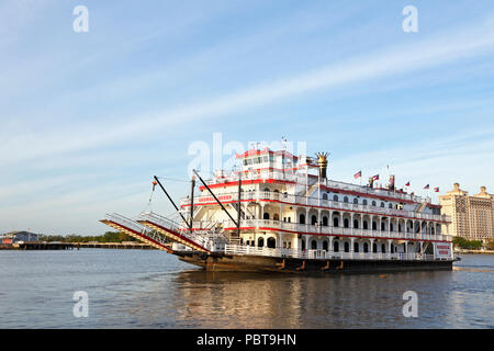 Savannah, Georgia. Georgia Queen cruise ship on the Savannah River. - Stock Photo