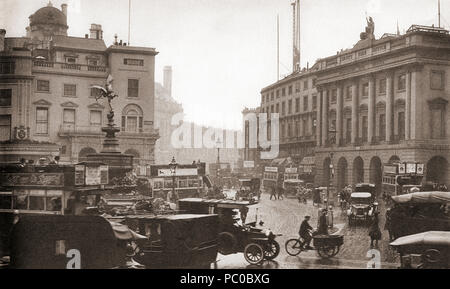 Regent Street, Piccadilly Circus and the statue of Eros, London, England in 1923.  From These Tremendous Years, published 1938. - Stock Photo
