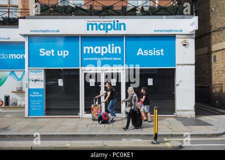 A closed Maplin store on King Street, Hammersmith, London, W6, UK - Stock Photo