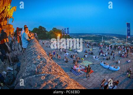 firo, Astronomie 1, 27.07.2018 celestial body, moon, blood moon, red, reddish moon, lunar eclipse, people watch the lunar eclipse at the Kaiser Wilhelm monument Hohensyburg, | usage worldwide - Stock Photo
